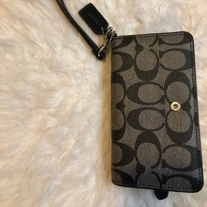 Handbags - Coach phone case wristlet